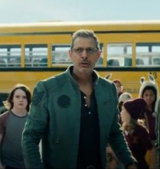 INDEPENDENCE DAY: RESURGENCE trailer two rounds up the cast and goes bang real good